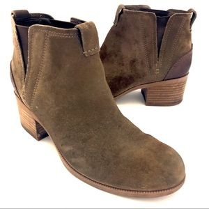 Clarks (8M) Brown Suede Elastic Ankle Boot Booties